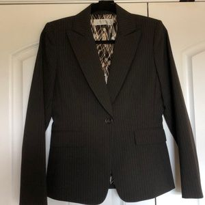 Fitted Brown Pinstripe Tahari Blazer 4 Sm Like New